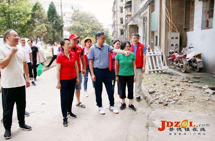 """刘锋巡查调研我市创建""""国家卫生城市""""情况"""